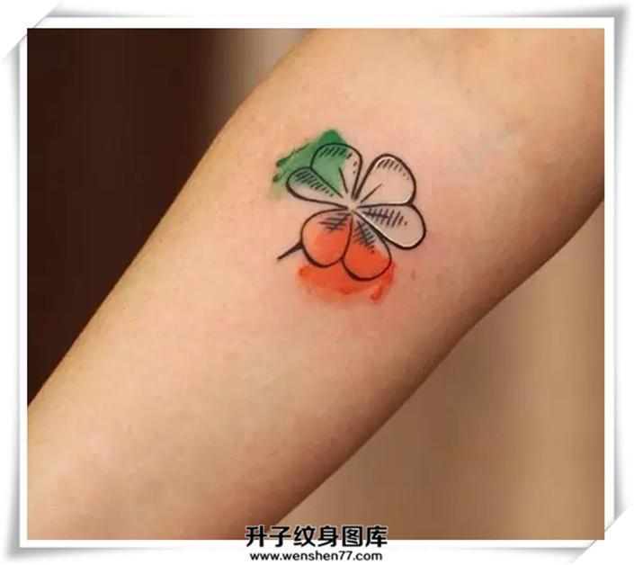 四叶草纹身图案