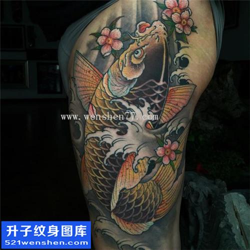 大腿纹身 大腿鲤鱼纹身图案 鲤鱼手稿图片